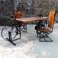<b></b> set dinner table bicycle
